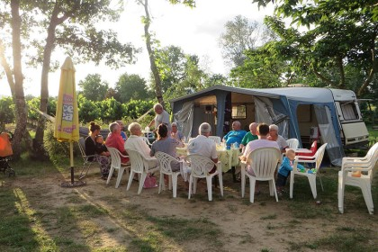 camping-rouviere-les-pins-ardeche-02
